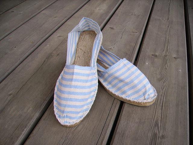 Espadrilles rayées bleues et blanches taille 47