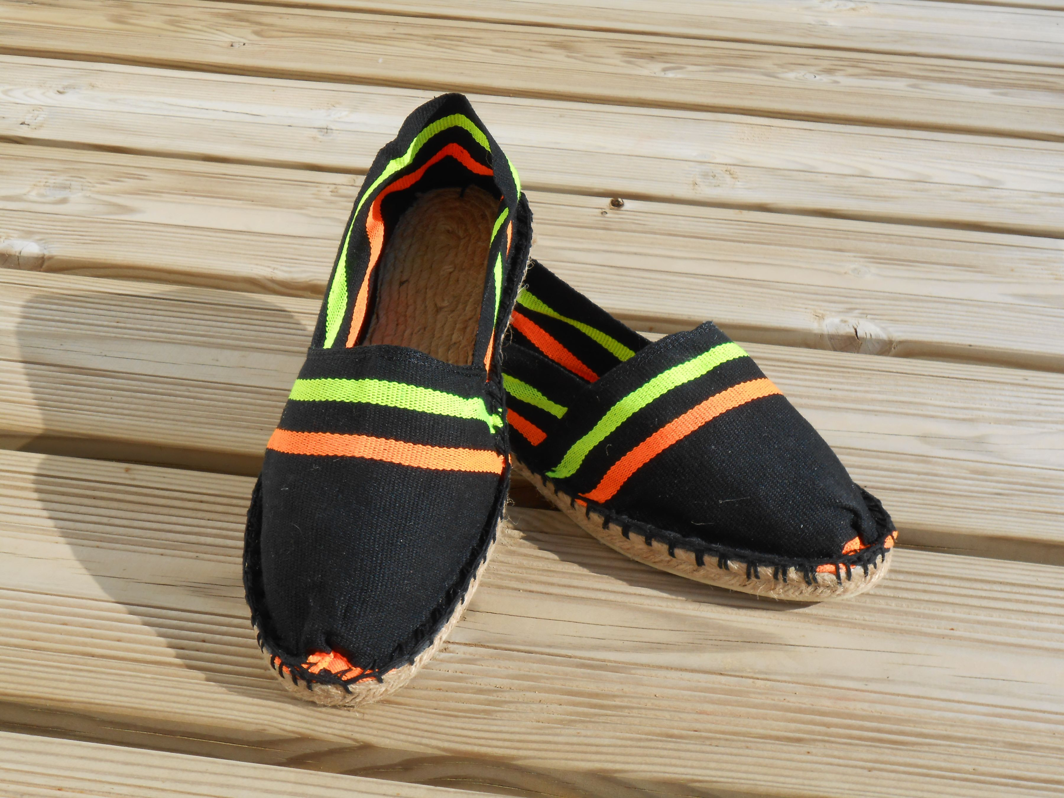 Espadrilles rayées fluo taille 37
